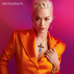 RITA ORA Look Magic Stones from the  collection in the THOMAS SABO online store