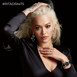 RITA ORA Look Magic Stars from the  collection in the THOMAS SABO online store