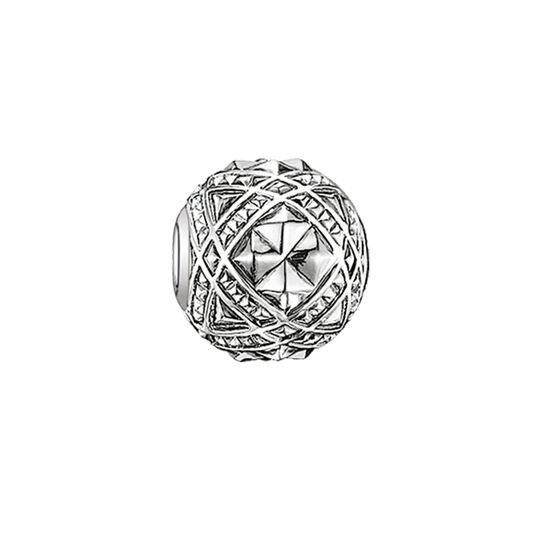 Bead studs from the Karma Beads collection in the THOMAS SABO online store