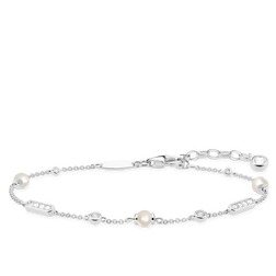 pearl bracelet from the Glam & Soul collection in the THOMAS SABO online store